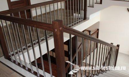 Красивая лестница на второй этаж